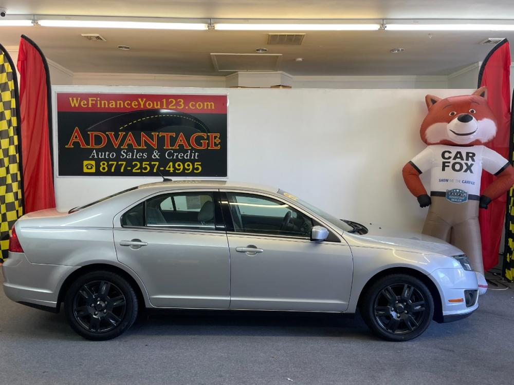 2011 SILVER Ford Fusion I4 SE (3FAHP0HA8BR) with an 2.5L L4 DOHC 16V engine, located at 533 S West End Blvd., Quakertown, PA, 18951, (877) -257, 40.343994, -75.303604 - Photo #0